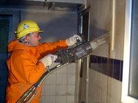 Maueröffnung mit der Betonkettensäge